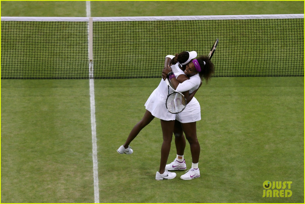 venus serena williams win wimbledon doubles crown 132684416