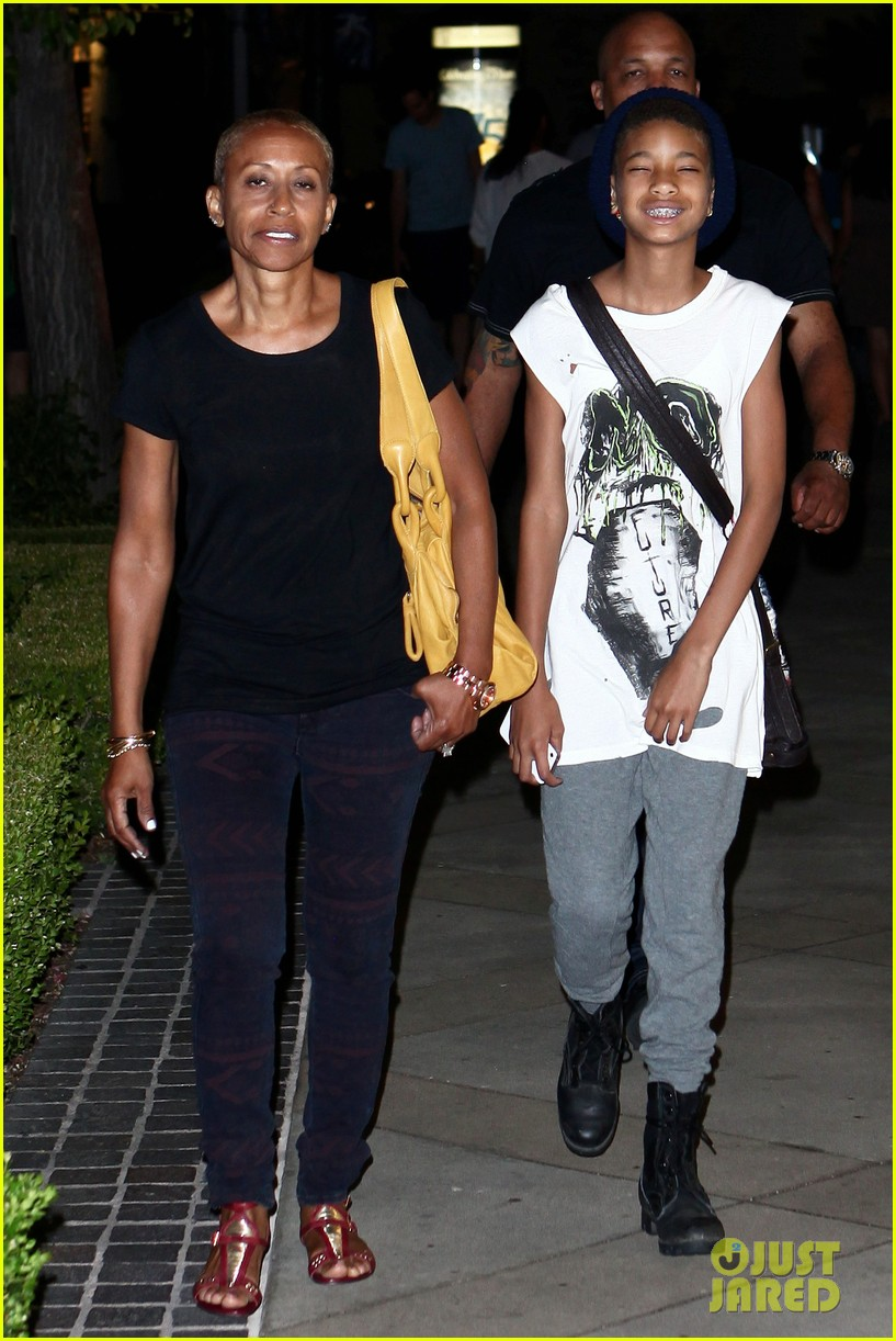 willow smith evening with grandma 032681728