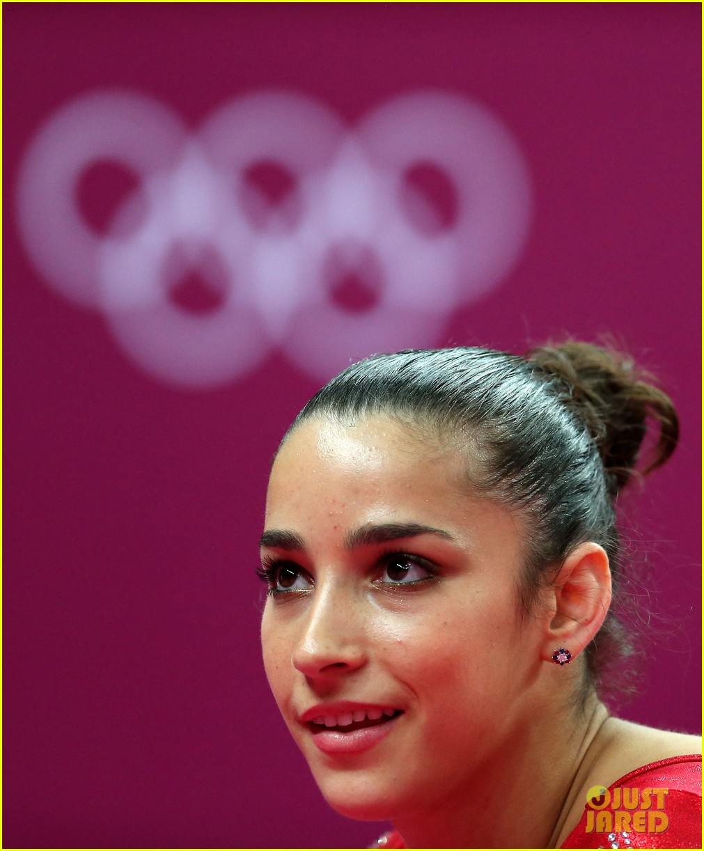 imagetwist.com lsm-03 U.S. Women's Gymnastics Team Wins Gold Medal!: Photo 2694844   2012 Summer  Olympics London, Aly Raisman, Gabby Douglas, Jordyn Wieber, Kyla Ross, ...