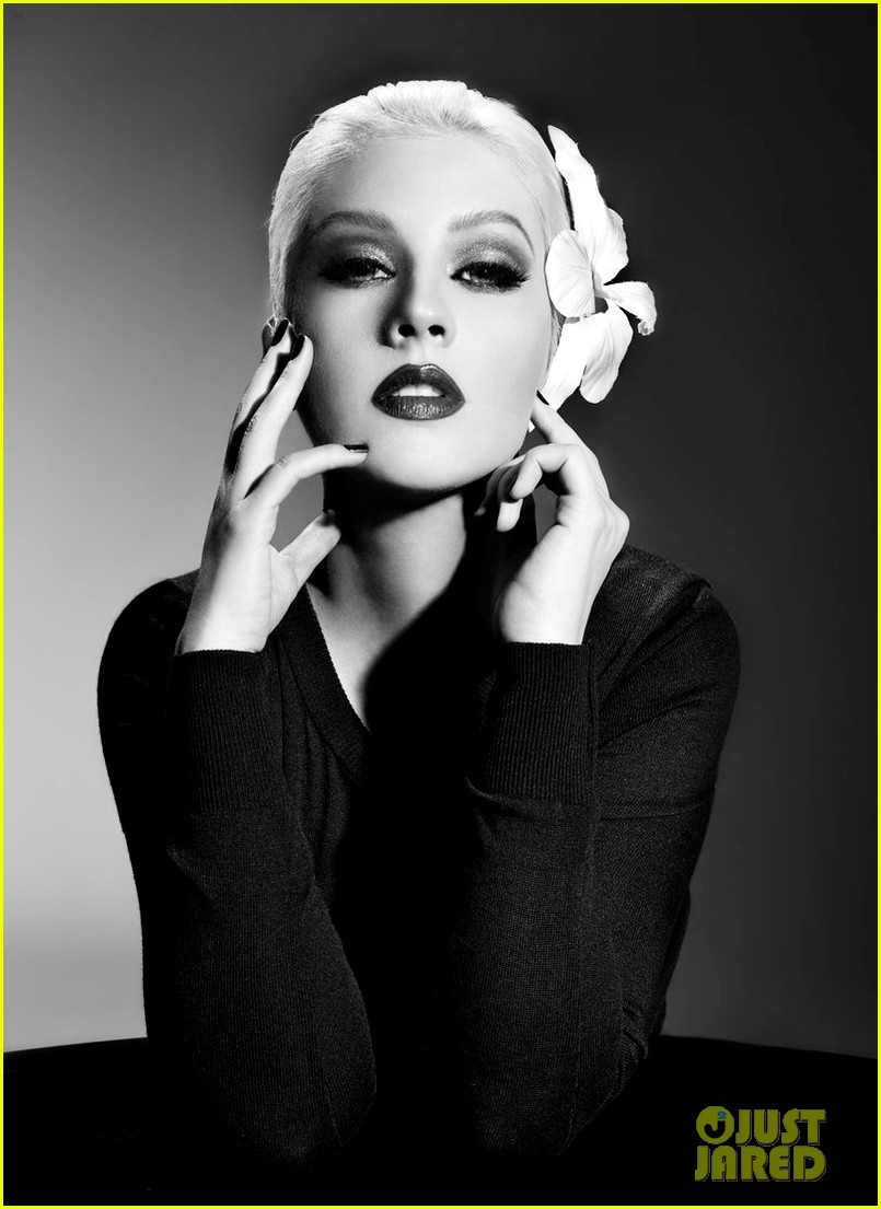christina aguilera lp promo shot 012698357