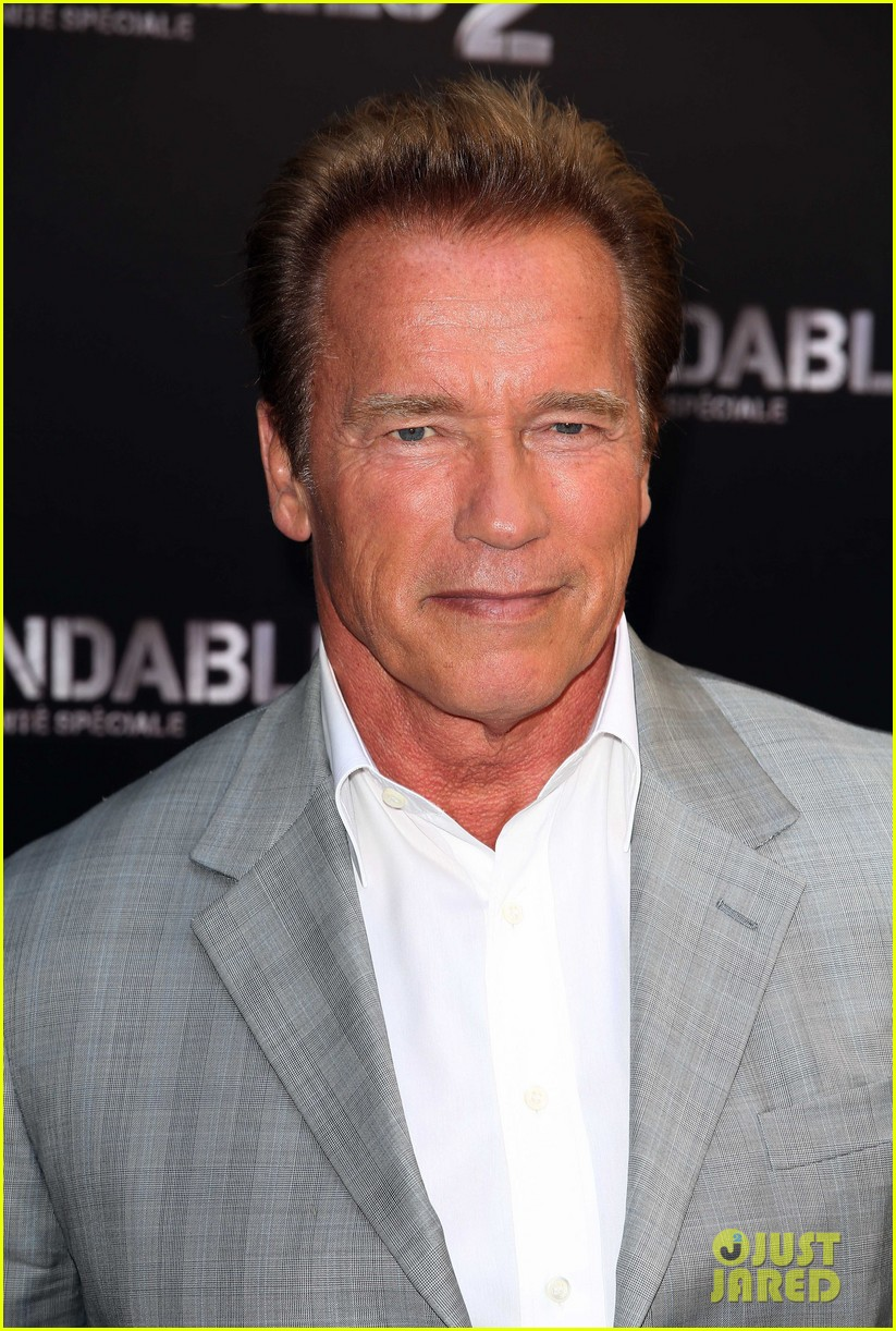 arnold schwarzenegger sylvester stallon expendables 2 paris photo call 06