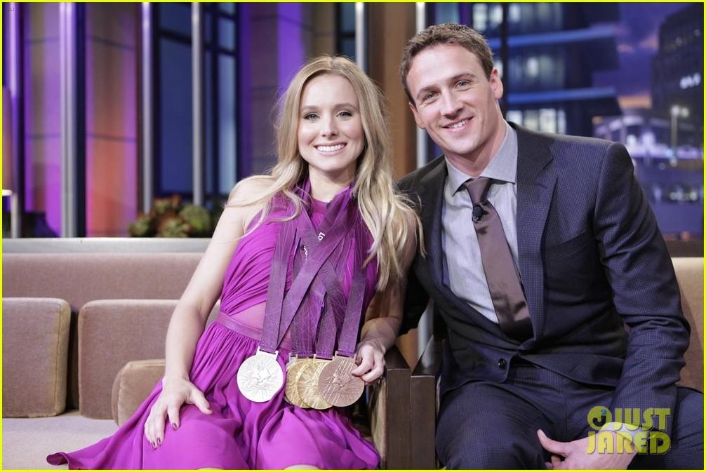 kristen bell wears ryan lochte olympic medals 032703561