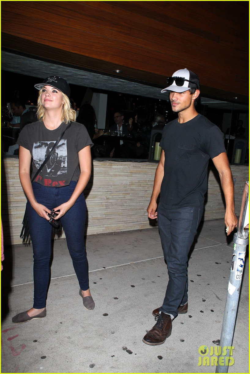 taylor lautner ashley benson red o dinner duo 14