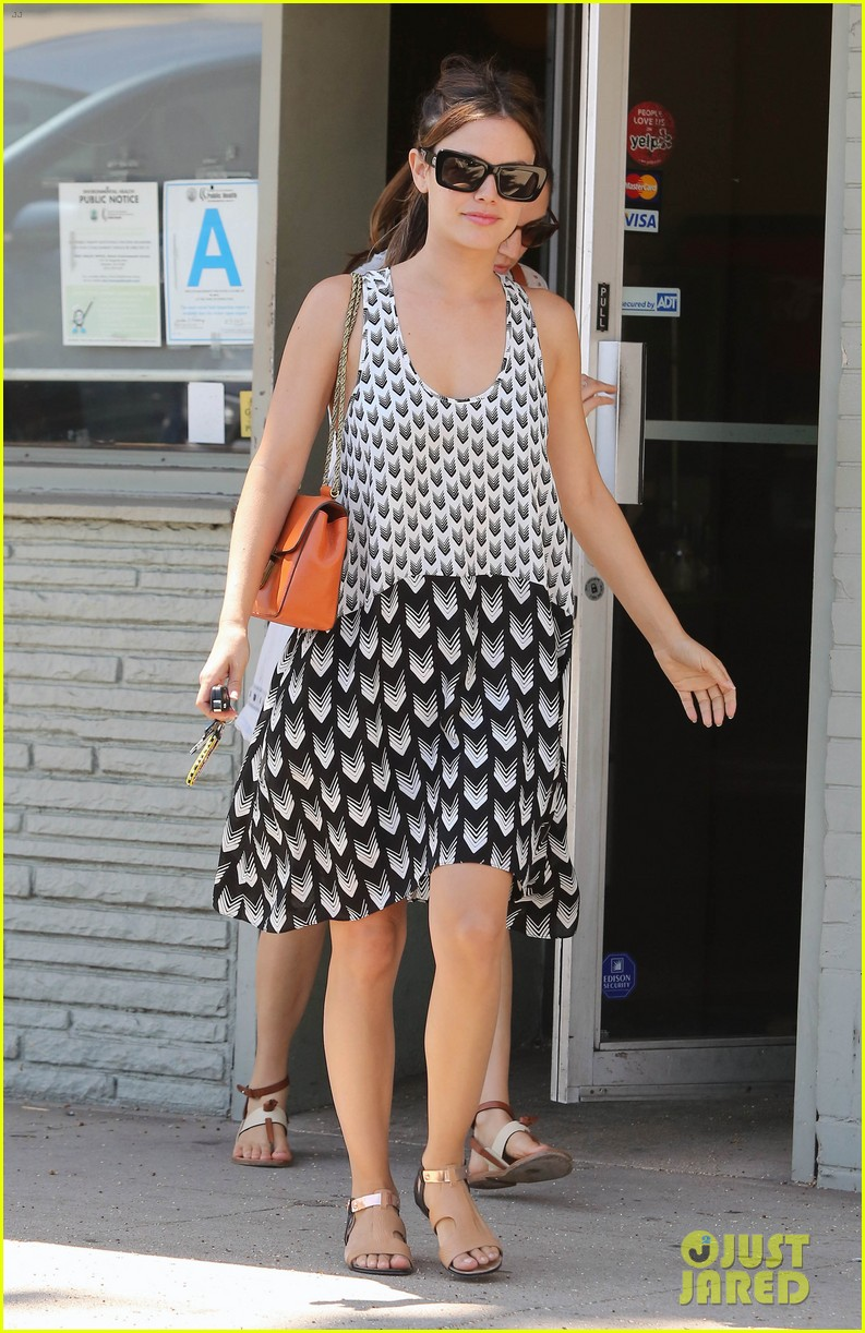 rachel bilson lunch with gal pal 10