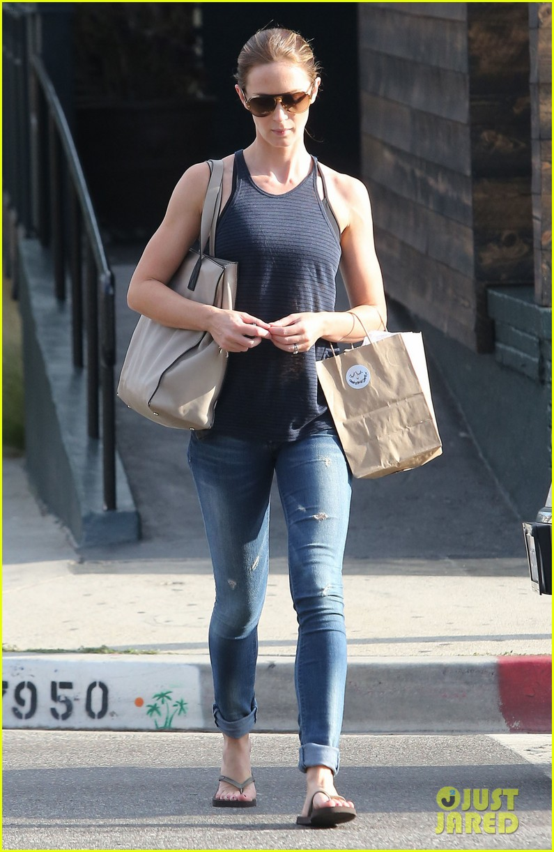 emily blunt creatures of comfort shopper 15