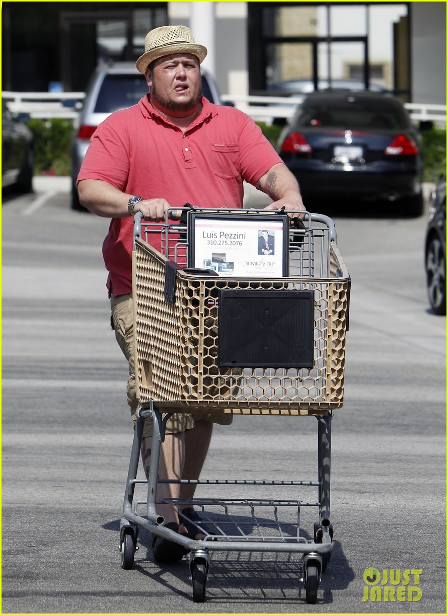 chaz bono grocery shopping 16