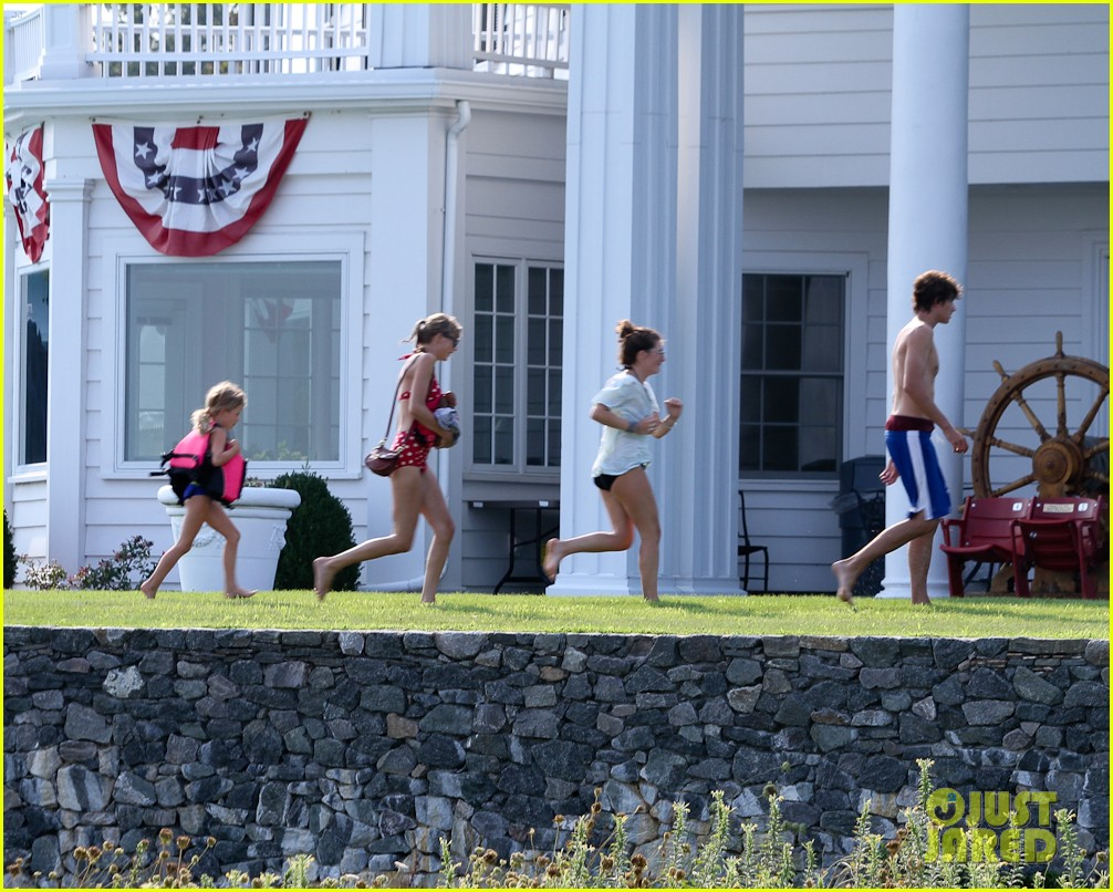 taylor swift bikini conor kennedy shirtless 03