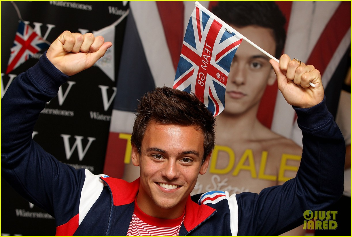tom daley book signing 06