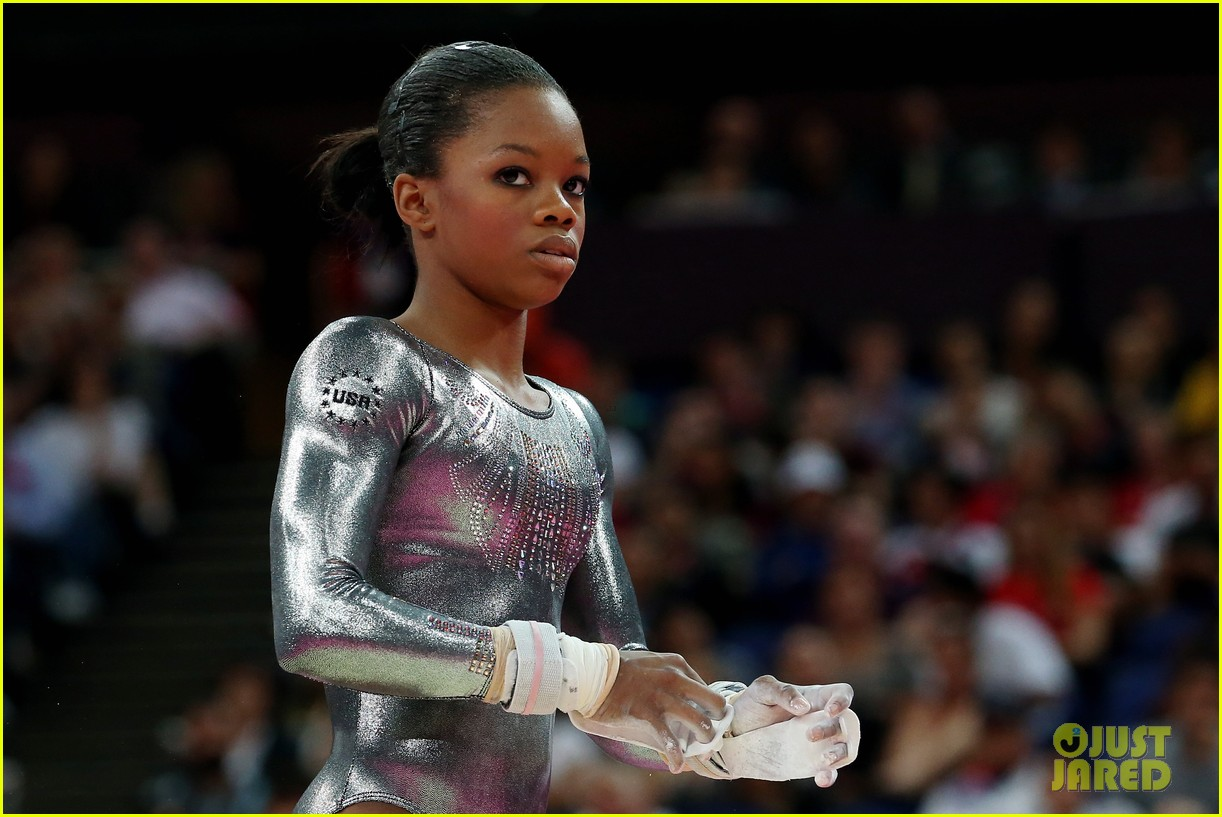 gabby douglas samuel mikulak compete in individual events 01