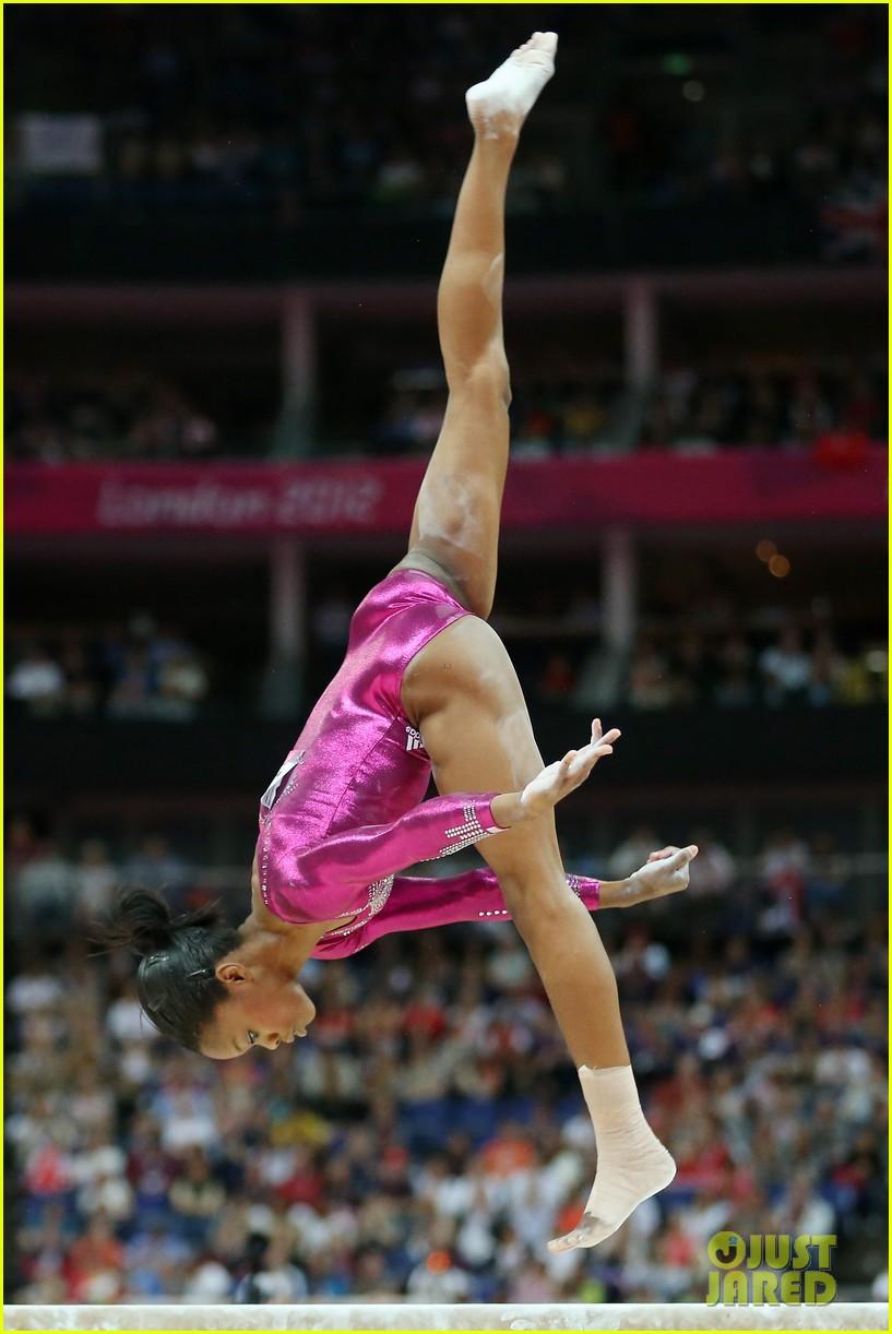 gabrielle douglas olympic gold medal gymnastics 02