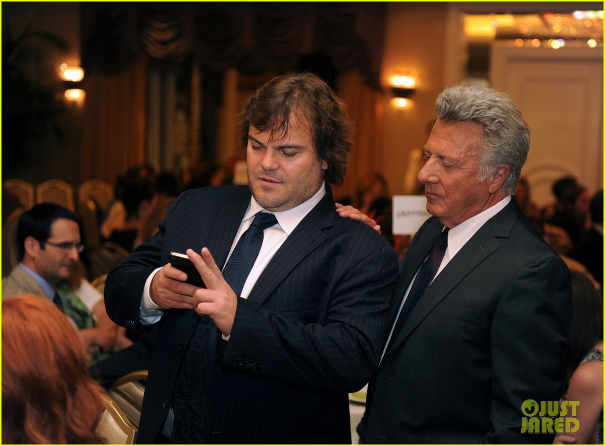 zac efron photo bombed by jack black 06