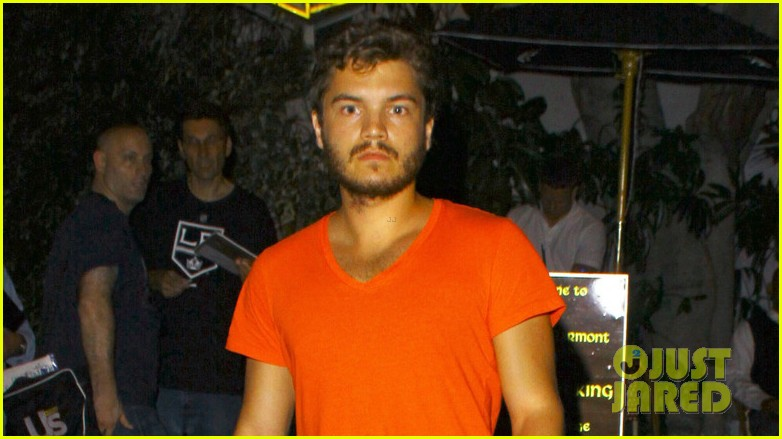 emile hirsch chateau marmont night out 04