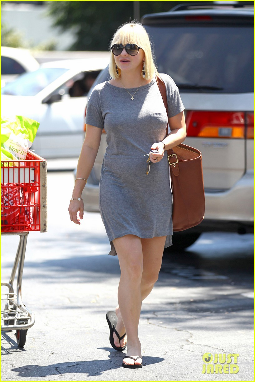 anna faris out running errands 17