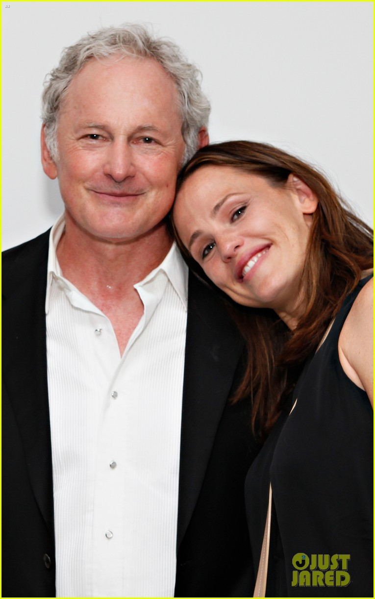 jennifer garner victor garber alias reunion in nyc 112702081