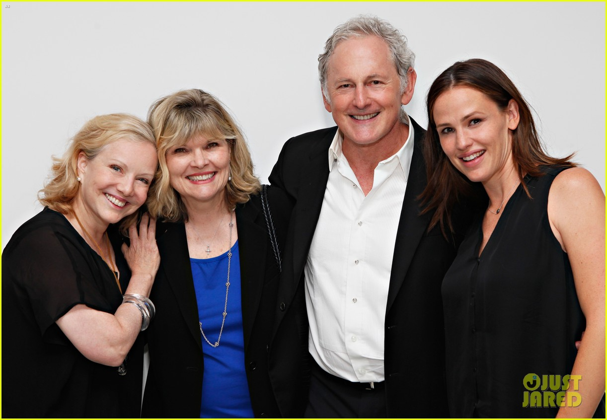jennifer garner victor garber alias reunion in nyc 122702082
