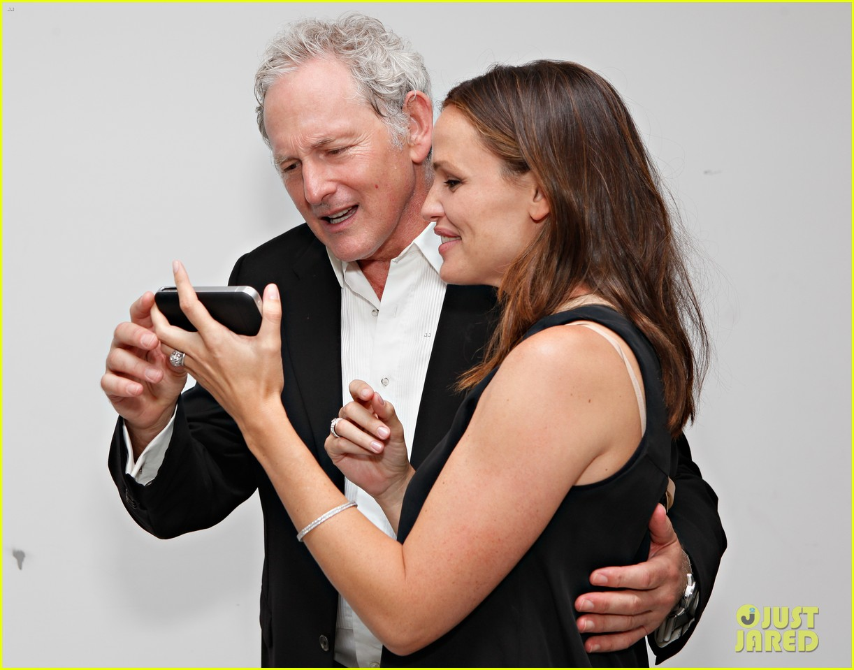 jennifer garner victor garber alias reunion in nyc 13