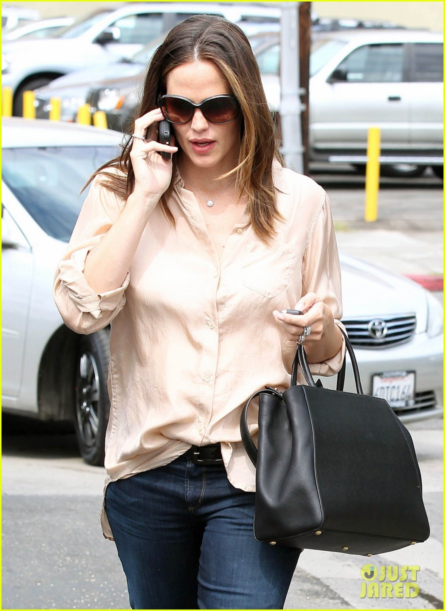 jennifer garner tavern 03