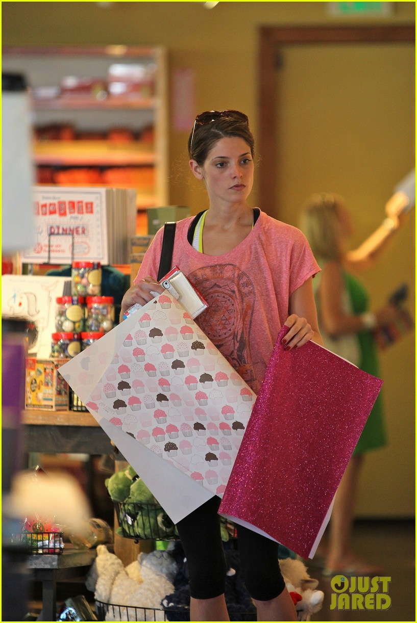 ashley greene gym errands 04