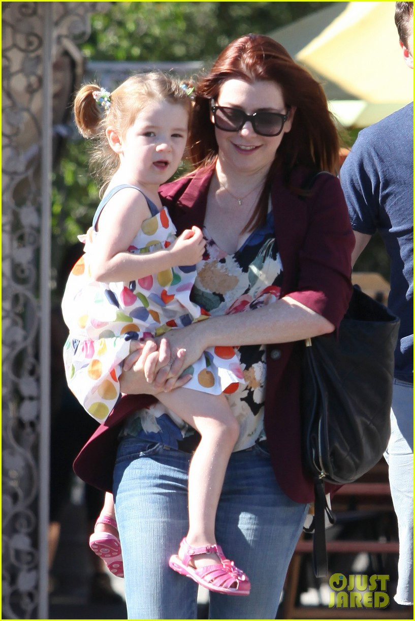 alyson hannigan a votre sante dinner with the family 022709770