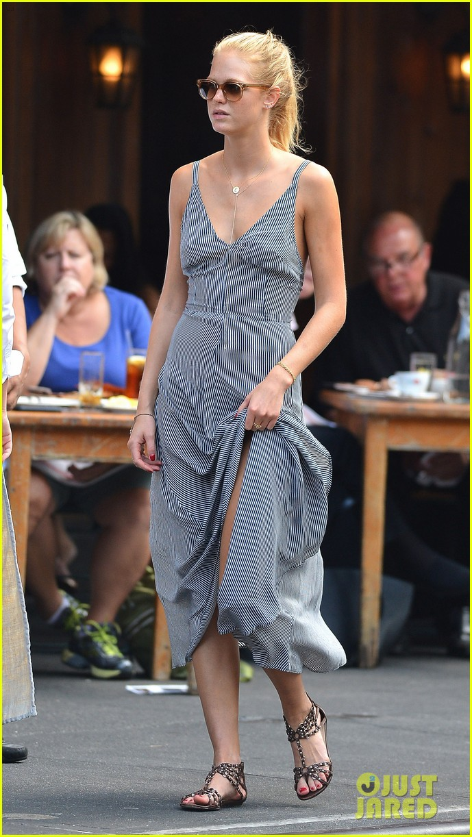 erin heatherton lunches while leo dicaprio works on wolf 01