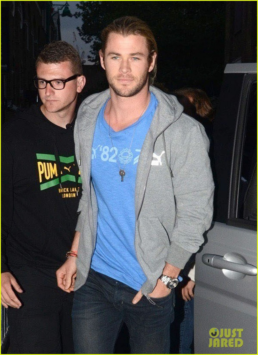 chris hemsworth celebrating jamaican independence 032698385