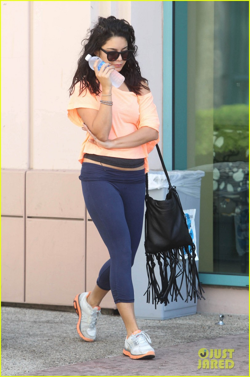 Full Sized Photo of vanessa hudgens monday morning workout ...