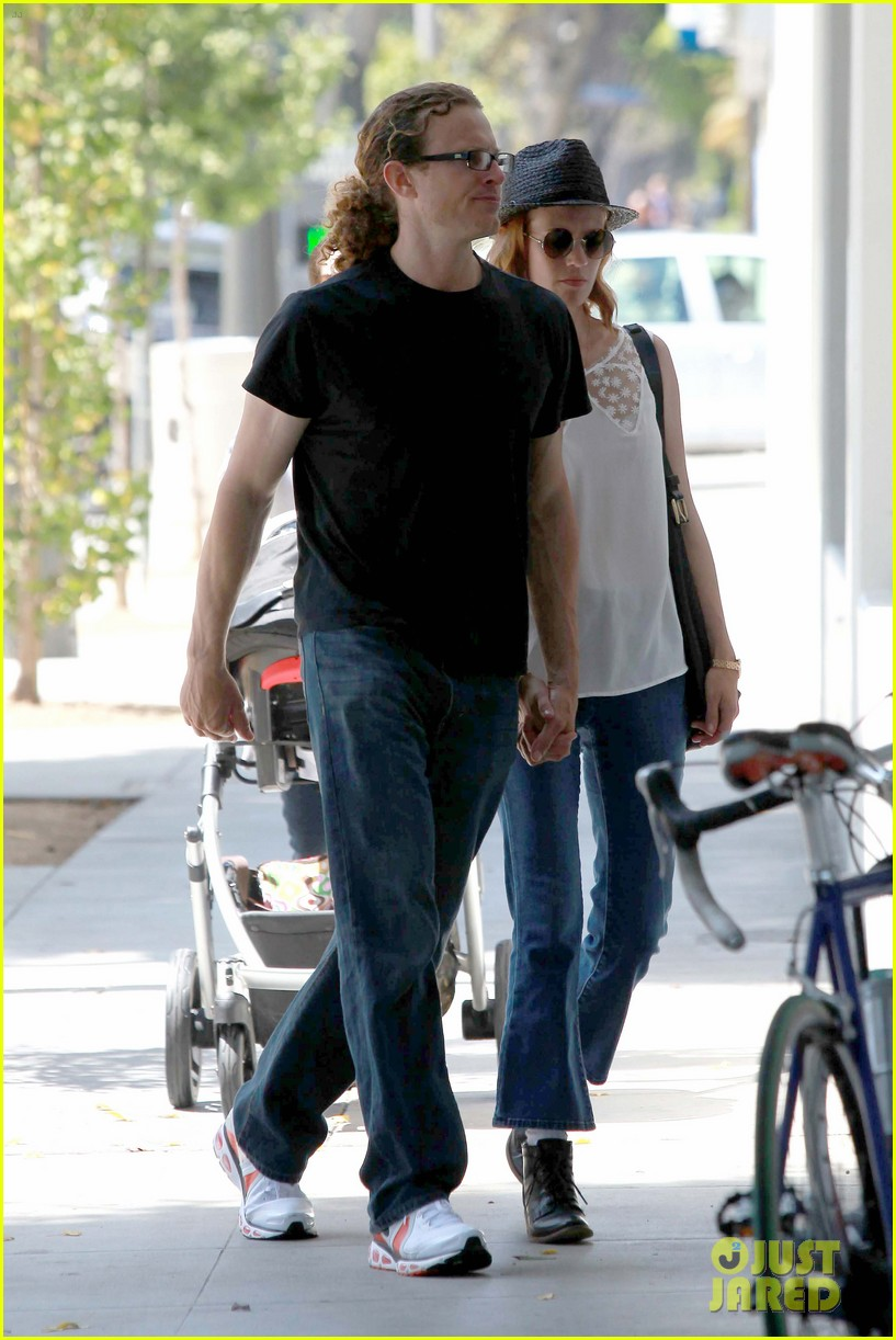 january jones holding hands mystery man 08