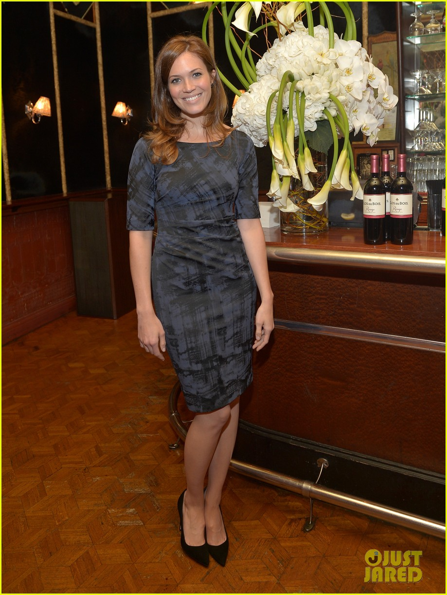 jaime king mandy moore clos du bois rouge launch 012707261