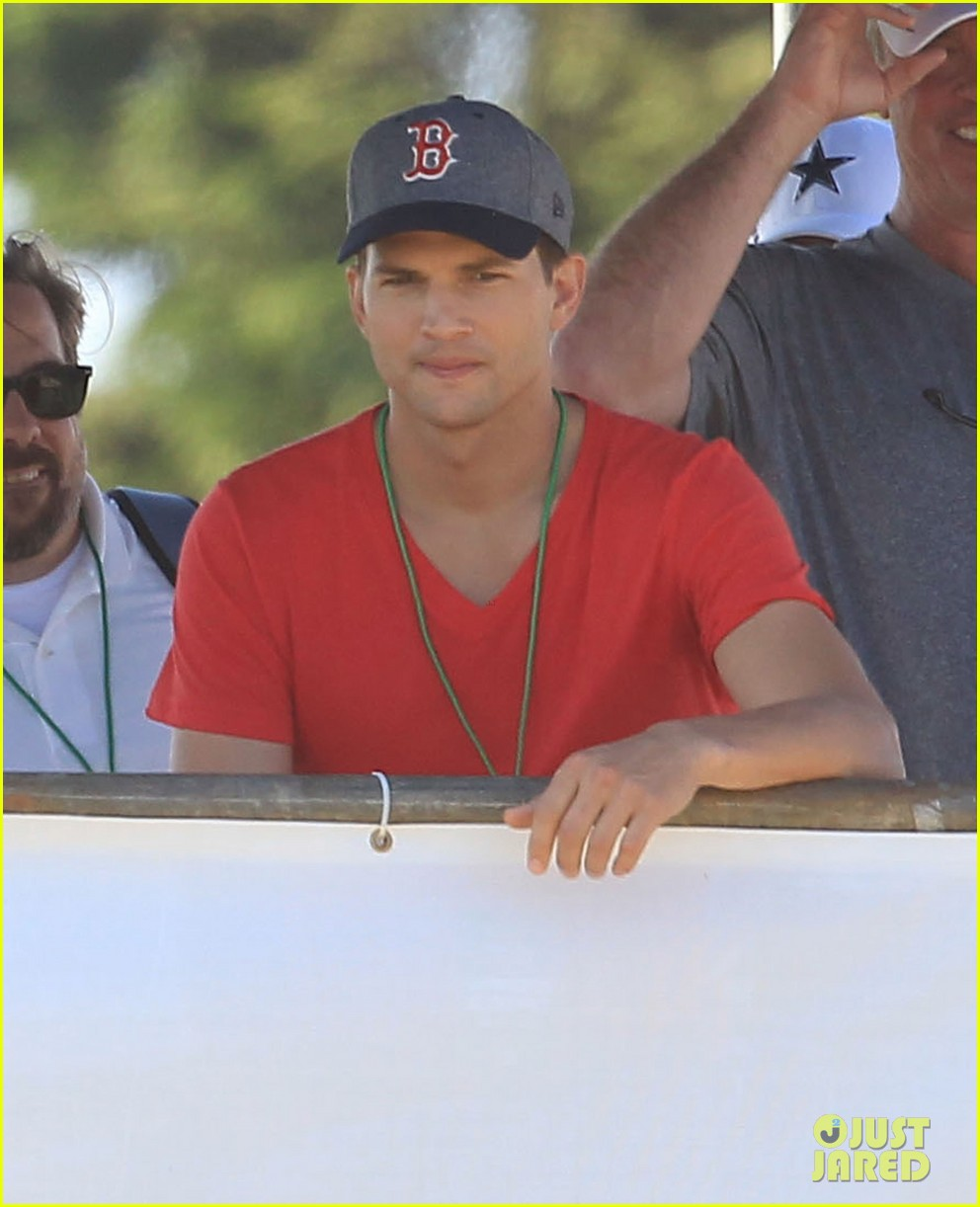 ashton kutcher cowboys training camp 17