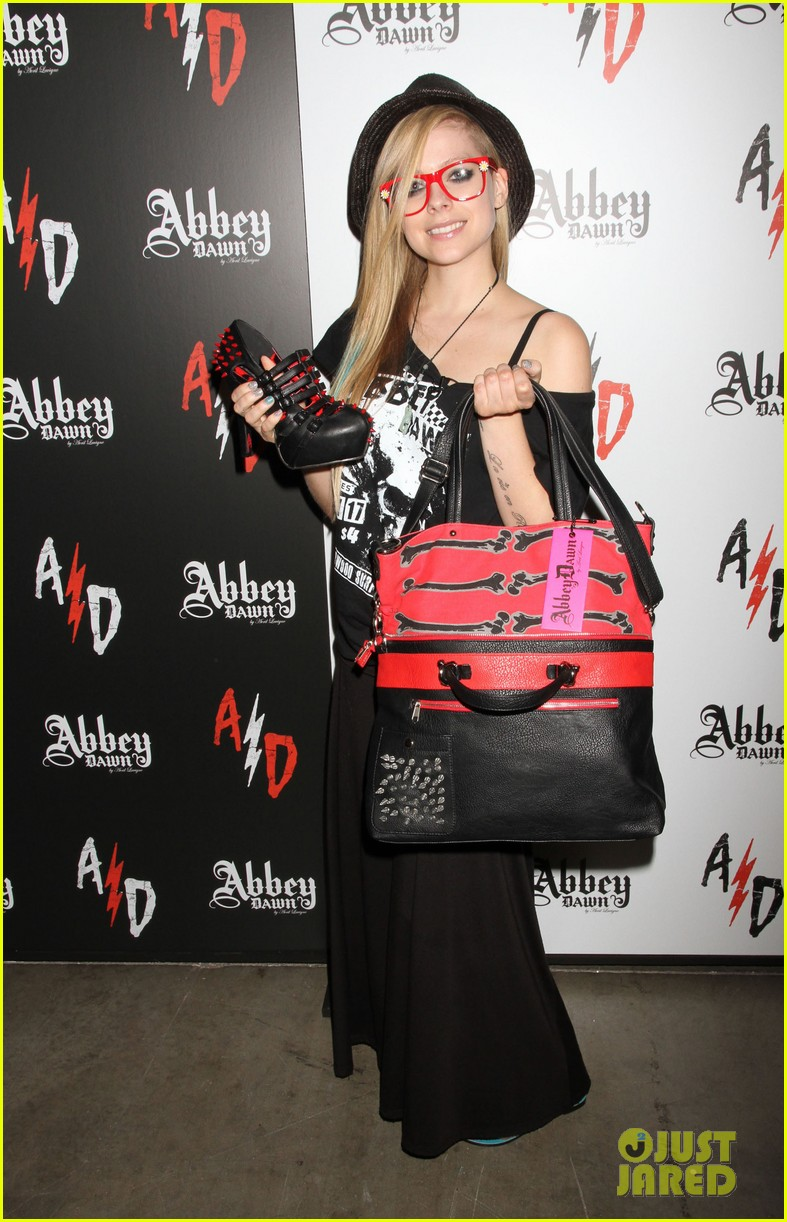 avril lavigne abbey dawn las vegas 052706667
