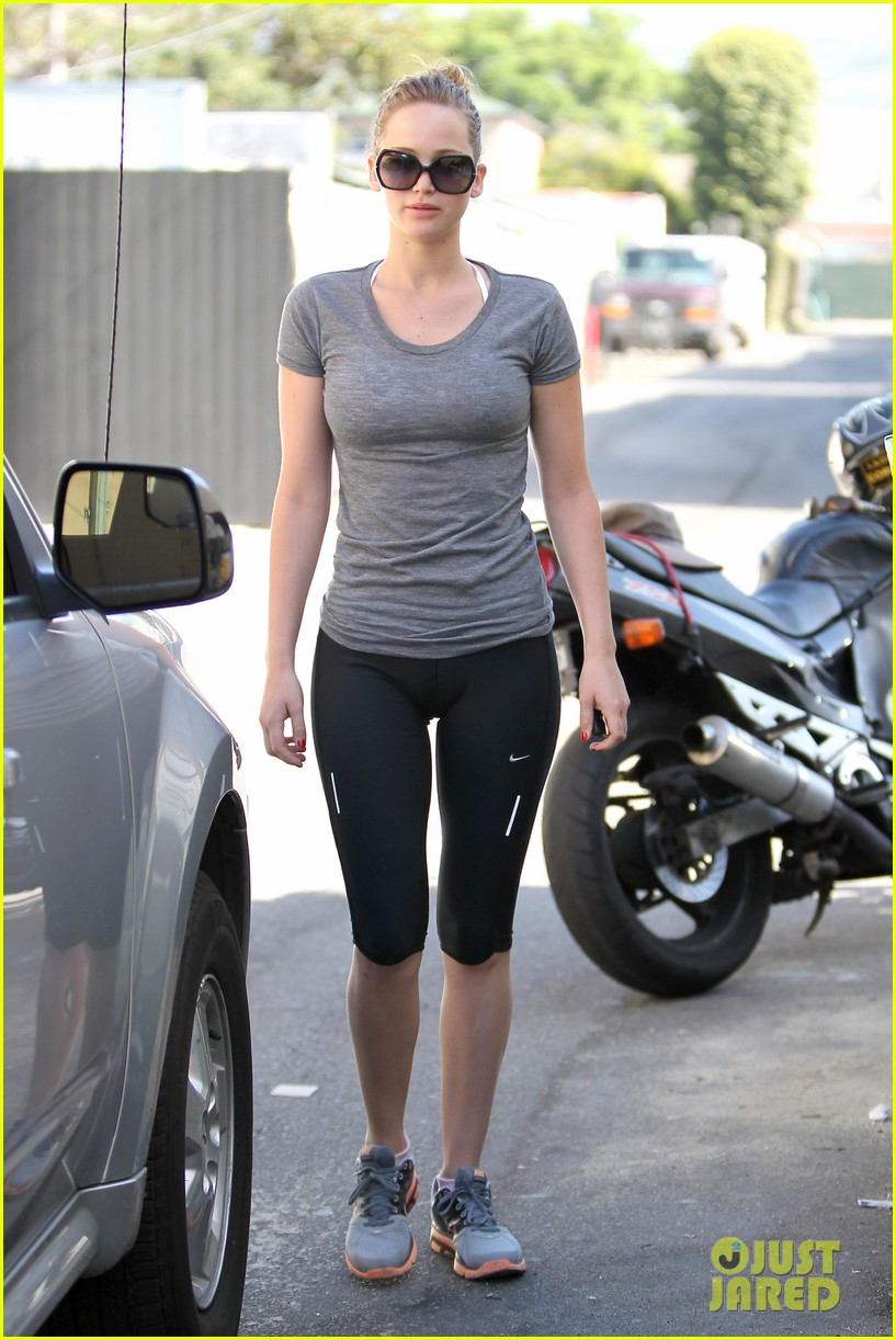jennifer lawrence boxing gym 06