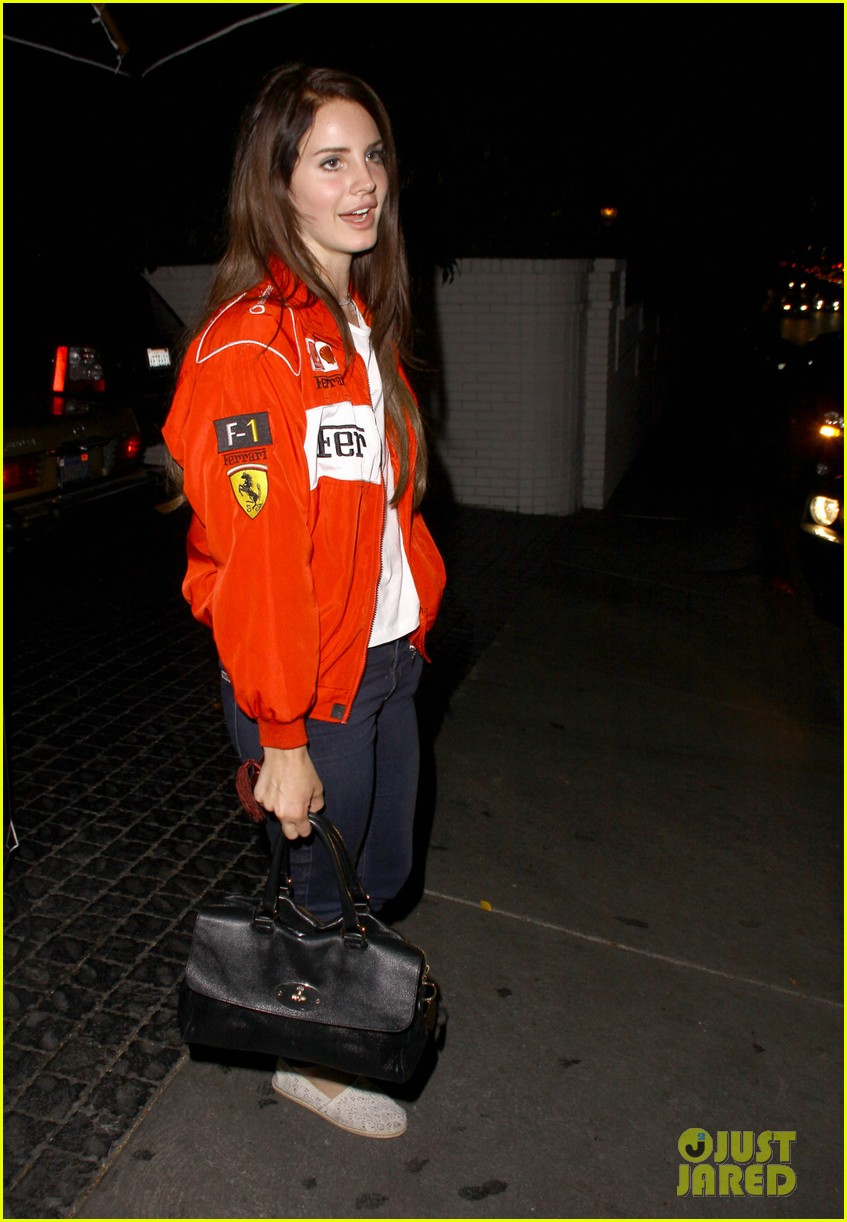 lana del rey ferrari fierce at chateau marmont 06