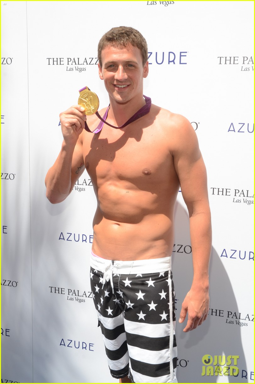 ryan lochte las vegas pool party weekend 02