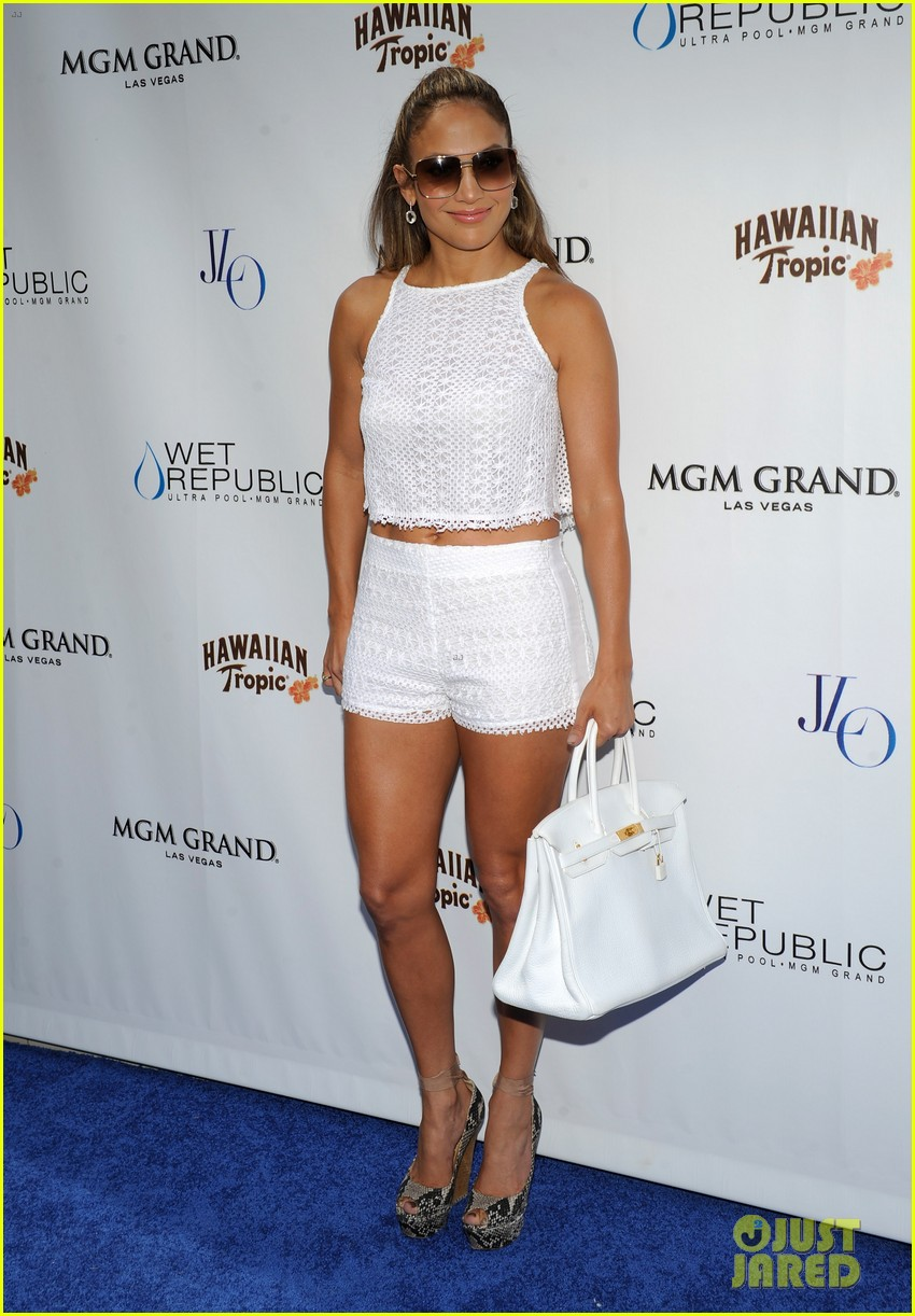 jennifer lopez wet republic pool appearance 23