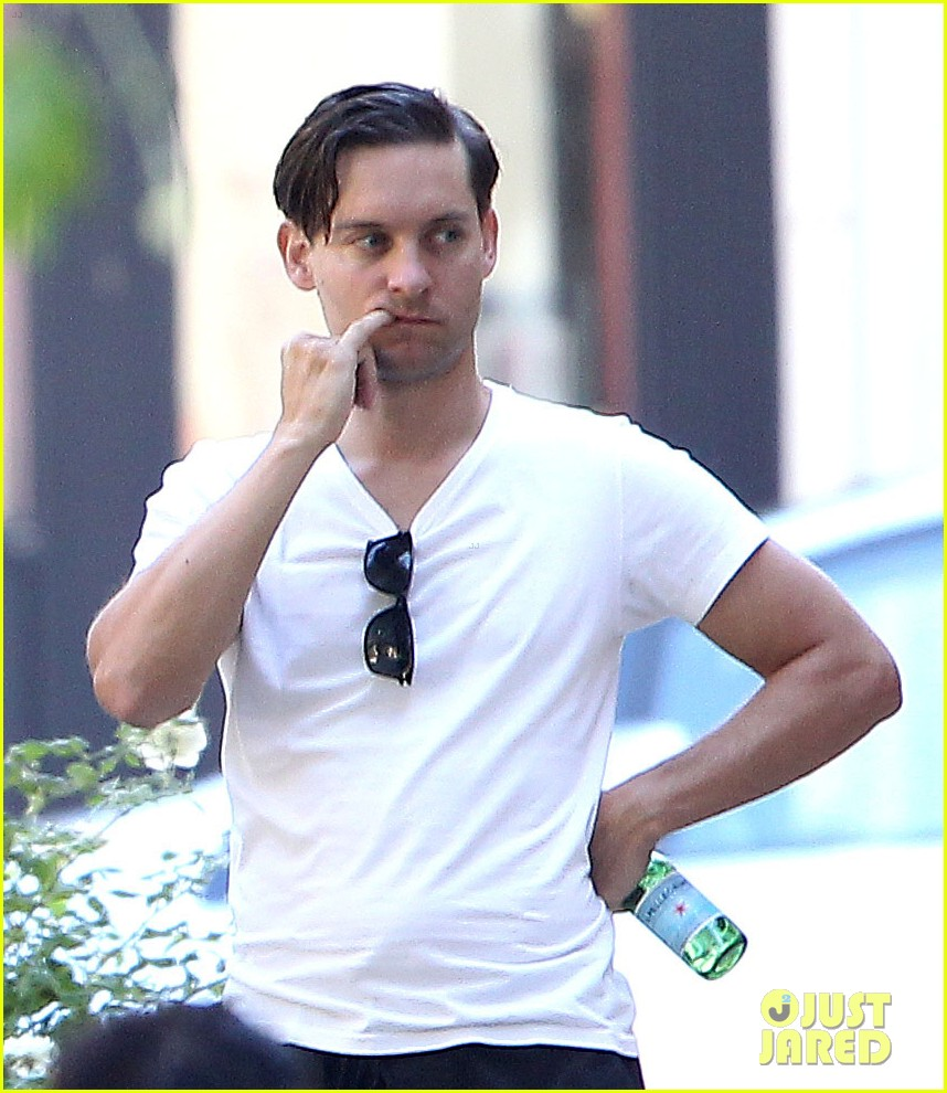 tobey maguire nicole richie birthday 11