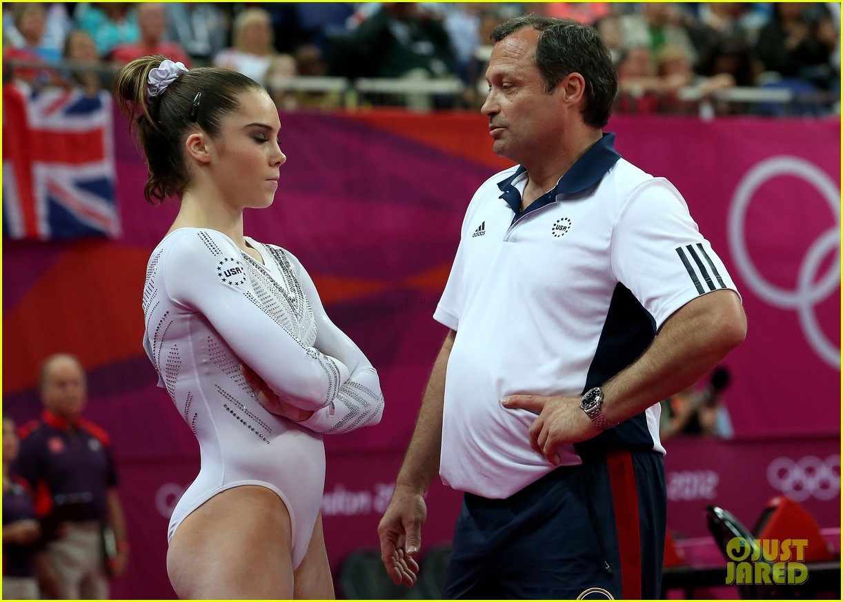 mckayla maroney falls during vault finals wins silver medal 052697514