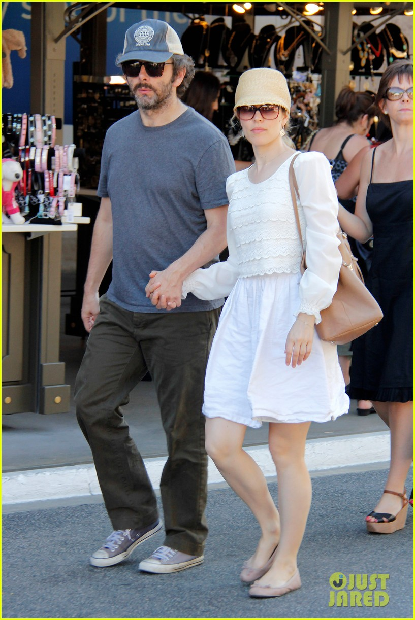 rachel mcadams michael sheen hold hands at the grove 01