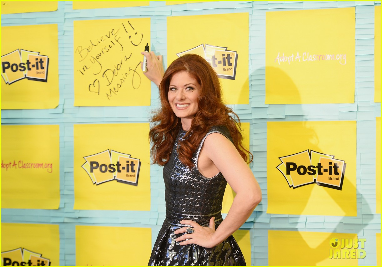 debra messing post it program launch is a smash 06