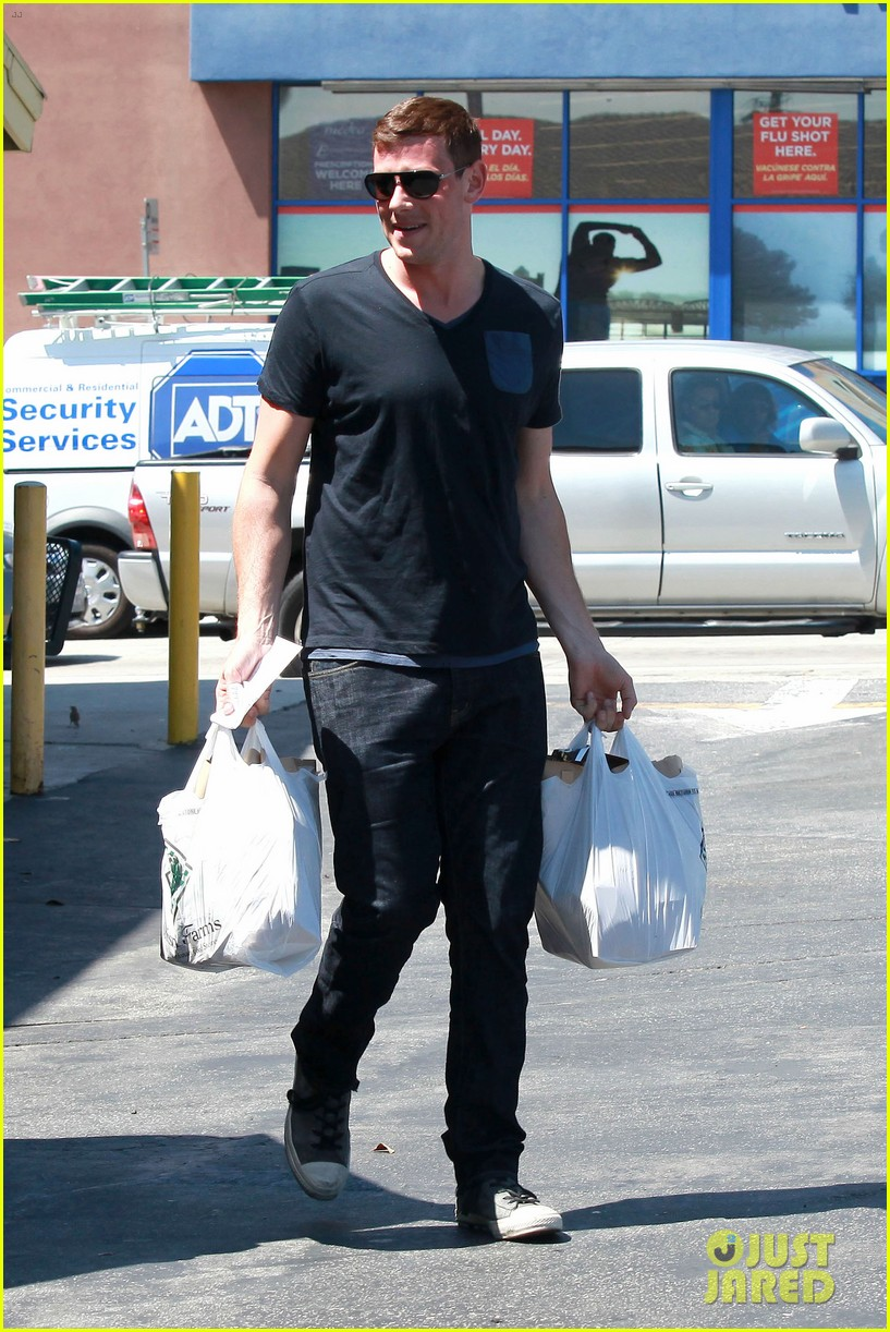 lea michele birthday grocery run with cory monteith 03