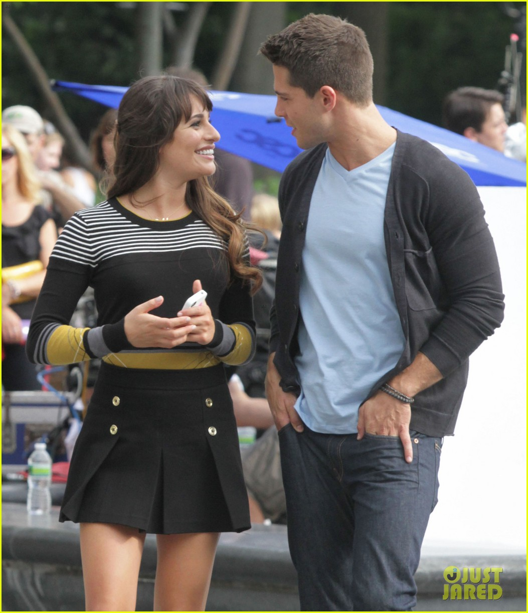 lea michele glee day with dean geyer 14