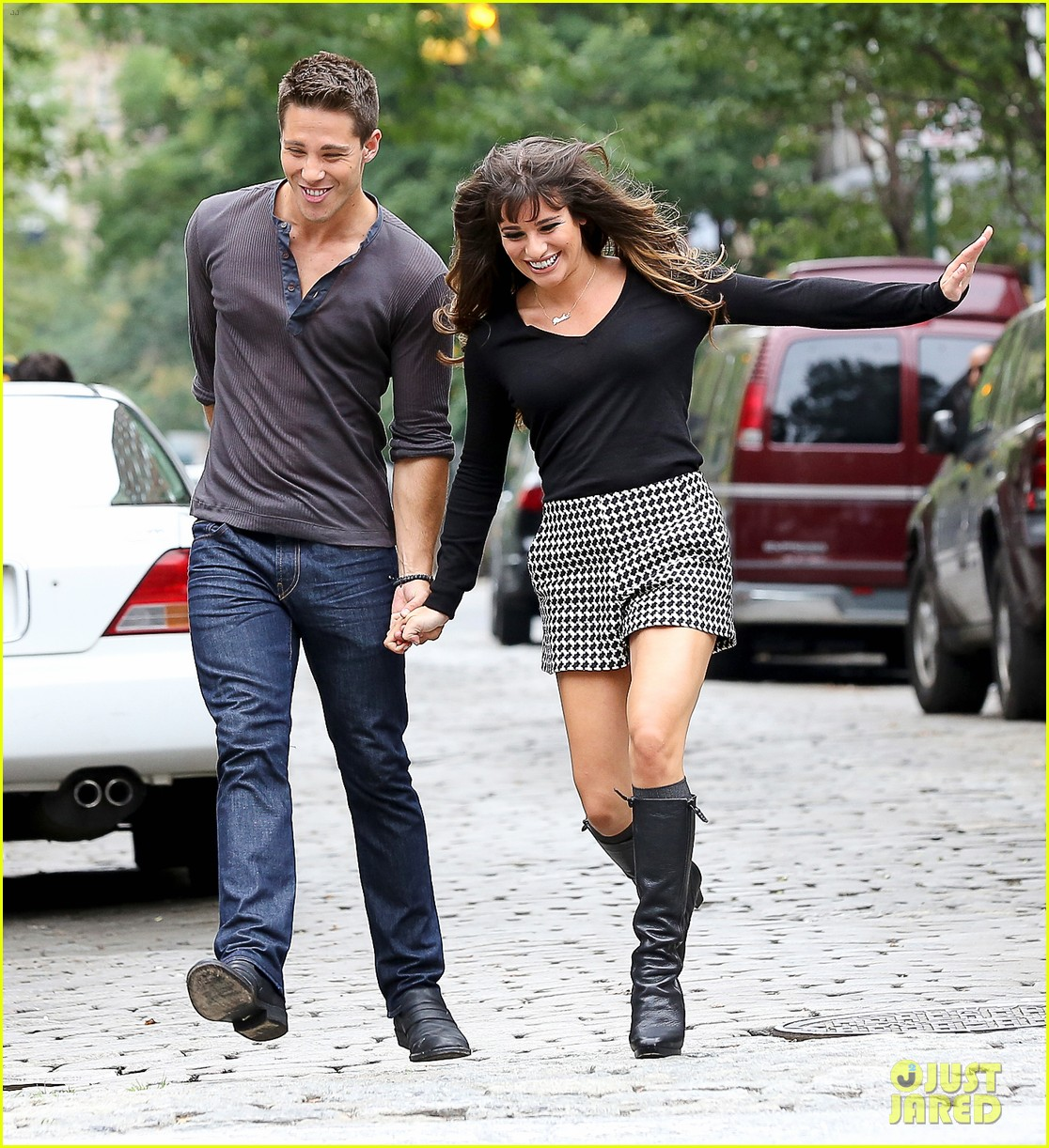 lea michele glee day with dean geyer 25