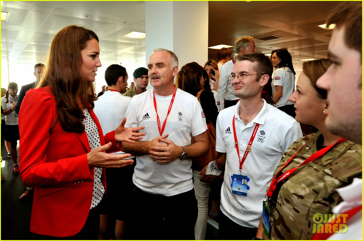 kate middleton prince william swimming spectators 04