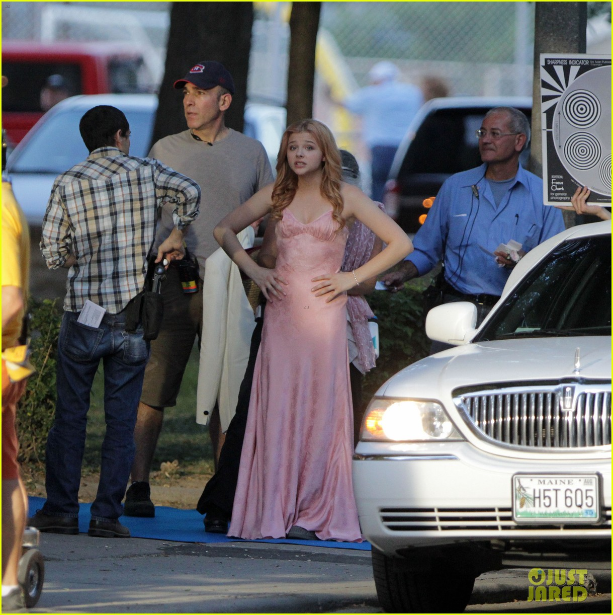 chloe moretz blood soaked on carrie set 24