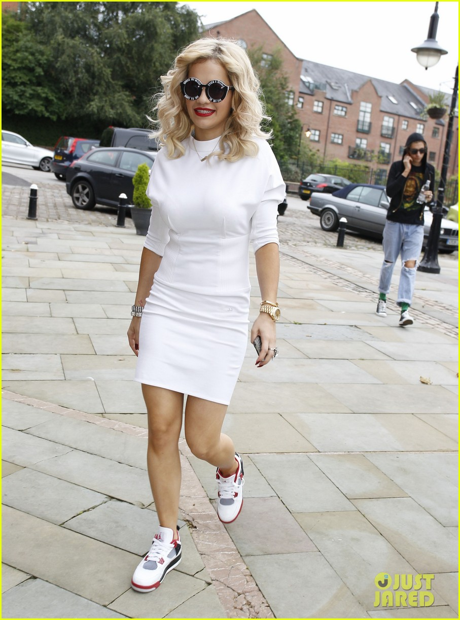 rita ora sunglasses 10