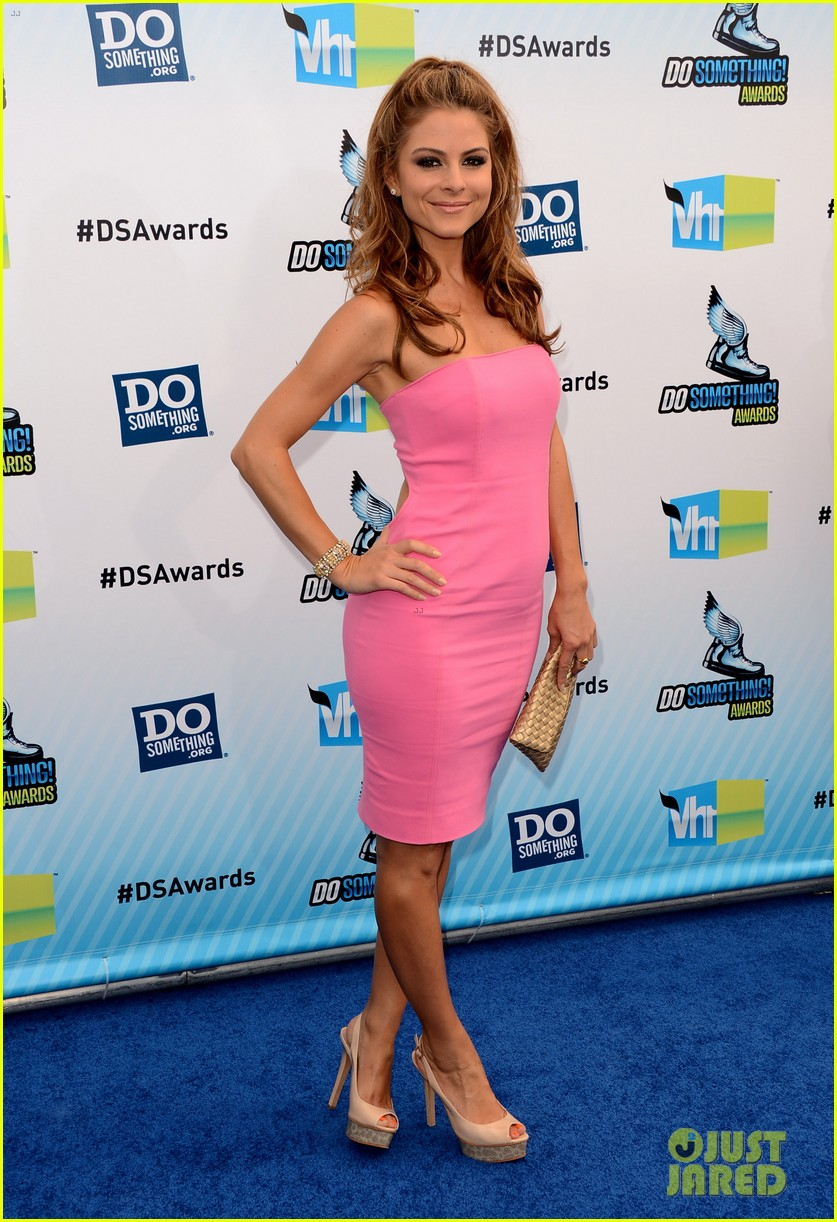 kelly osbourne maria menounos do something awards 2012 blue carpet 22