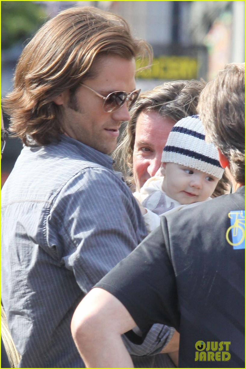 jared padalecki supernatural set visit from thomas 08