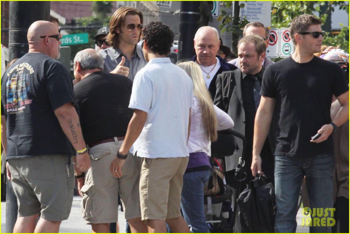 jared padalecki supernatural set visit from thomas 092695688