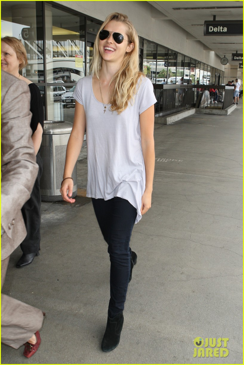 Full Sized Photo of teresa palmer tokyo jetsetter 13 ... Liam Hemsworth