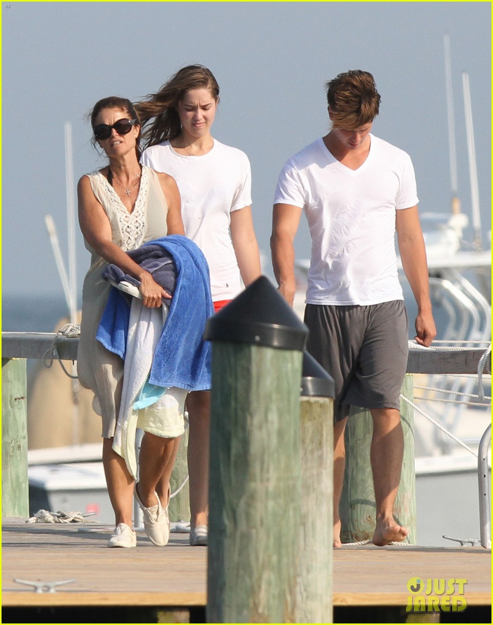 patrick schwarzenegger kennedy compound vacation 01