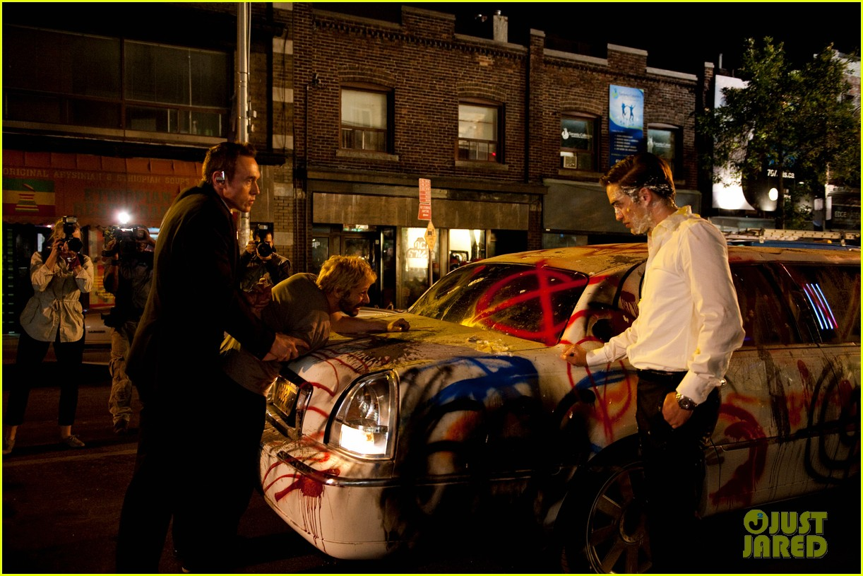 robert pattinson new cosmopolis stills 02
